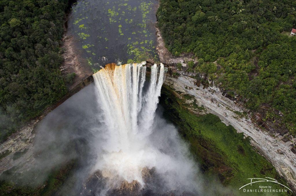 Kaieteur Falls, 226 meters high. © Daniel Rosengren